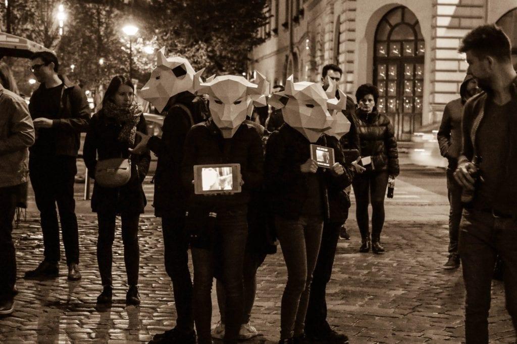 Vegan in Cluj-Napoca la una dintre acțiunile lor de informare Earthlings Experience cu tema lactate. Sursa foto: Vegan in Cluj-Napoca